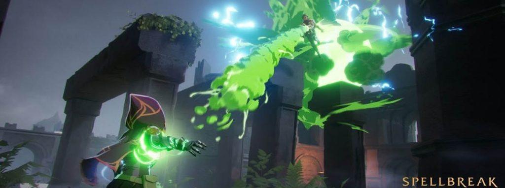 Un mago lanza una bola de veneno a otro, con una explosión eléctrica a sus espaldas. Aparece logo de Spellbreak.